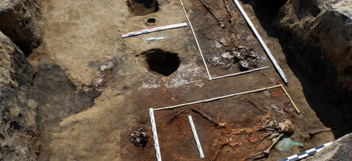 two-of-the-scythian-warrior-women-unearthed-in-russia-one-woman-was-found-in-the-horsemen-burial